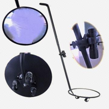 φωτεινή πηγή για εύκολο έλεγχο οχημάτων με έναν καθρέφτη