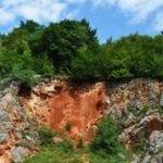 σημάδια στους βράχους